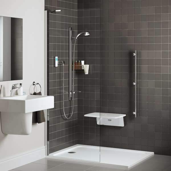 mira-showers-small-easy-living-bathroom-roomset-01-visionflex.jpg