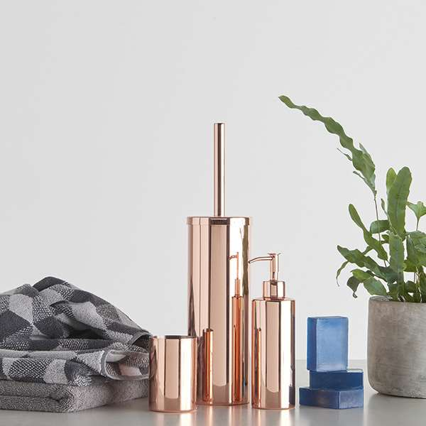04_Rone-Copper-Plated-Tumbler-And-Soap-Dispenser-Set-PR01_web.jpg